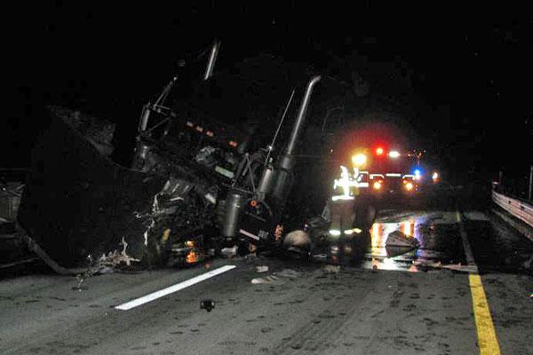 Late night truck crash on I-495 creates a mess