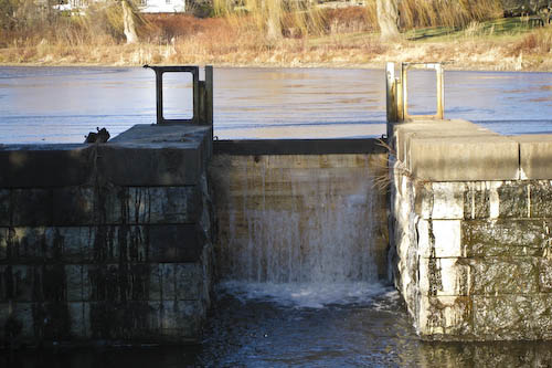 Post image for More photos of the drained Wachusett Aqueduct