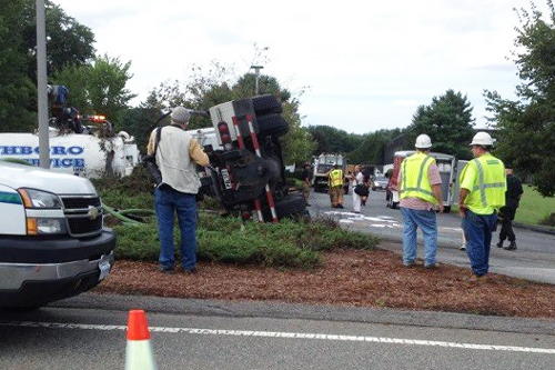 Post image for Overturned septic truck makes a mess on Route 9