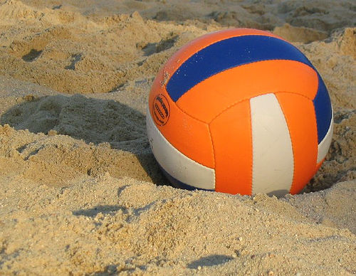 Post image for Pick up your volleyball and head to the sand
