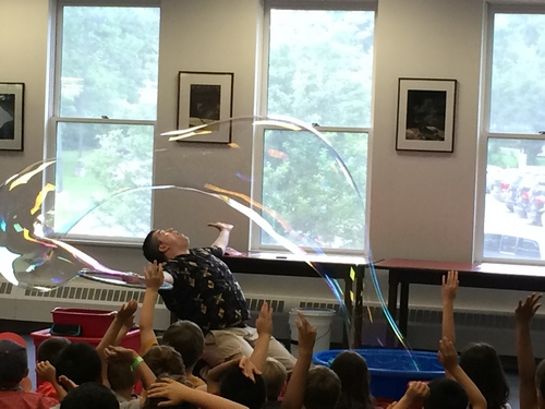Post image for Fay School invites kids to join Mike the Bubble Man – February 3 (Updated)
