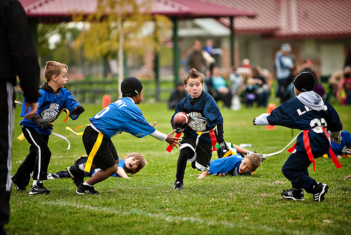 Post image for Co-ed Flag football for 2nd-7th graders – signup for May-June league