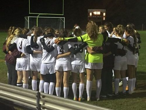 Post image for Postseason update: Golf 3rd at State, Field Hockey in Central Finals, and Soccer in Semi-Finals (Updated)