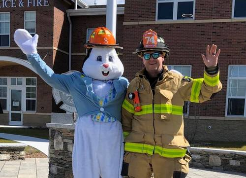 Post image for Looking at Easter in Southborough: Bunny visit, egg hunt, and a church parade