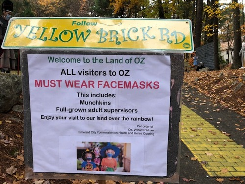 Post image for Follow the Yellow Brick Road on Halloween night for some <em>(not too)</em> spooky fun